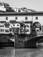 Italy - Firenze - Ponte Vecchio & Arno River (Marcial Bernabeu) Tags: tuscany toscana marcial bernabeu bernabéu italy italia firenze florencia florence arno river río rio bridge puente ponte vecchio old antiguo monocromo monochrome blanco negro black white bw