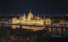 Budapest Classic / Классический Будапешт (dmilokt) Tags: город пейзаж ночь река парламент венгрия фонарь city landscape night river parliament hungary lantern dmilokt ins nfd