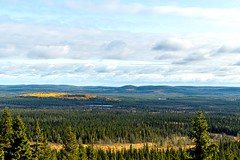Ahmavaara view (Arttu Uusitalo) Tags: sony a6500 landscape autumn fall view scenic bog forest woods ahmavaara syöte national park kansallispuisto north ostrobothnia finland pudasjärvi clouds