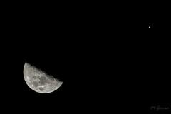 Luna y Saturno (Miguel Garcia.) Tags: luna saturno conjuncion october saturn moon newton skywatcher canon 6d nightsky sky outside astronomy astrofotografia astronomia