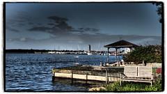Ein Platz an der Sonne (1elf12) Tags: hafen schleswig germany deutschland bank bench harbour