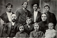 1907 - Harve and Alice [Ehret] Letherman family