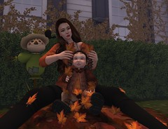 Mommy and Me Playtime (Elsa Rayne) Tags: mommy me fall autumn pose playtime mapetit leaf leaves leafs maitreya bebe viva kids vk sintiklia doux tres blah genus toddler td toddleedoo neve