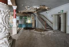 Tanzenhall (katka.havlikova) Tags: abandoned tanzenhall ballhaus hall urbex urbanexploration explore germany deutschland německo opuštěná tančírna decay derelict interior architecture dingsbums