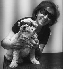 Ana y Cuca (Adisla) Tags: olympus penf mzuiko 17mm f18 mf perro humano