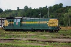 2007-08-31 - Zagórz - SP32-147 flying by the station :) (Maciej Drwięga) Tags: pkp sp32 sp32147 zagórz odkurzacz lde1300