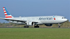N271AY (AnDyMHoLdEn) Tags: americanairlines a330 oneworld egcc airport manchester manchesterairport 05r