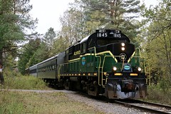 McKeever, New York (UW1983) Tags: adirondackscenicrailroad trains railroads mlw rs18u newyorkcentral