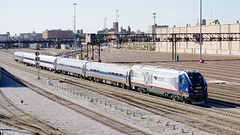 Amtrak Midwest - From Roosevelt Rd. (Laurence's Pictures) Tags: metra passenger train rail chicago unionstation mp36 commuterrail railway railroad locomotive transportation commuter charger amtrak intercity siemens stlouis 18thstreet illinois