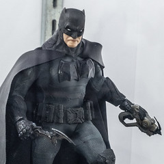 Supreme Knight Batman Details (misterperturbed) Tags: mezco mezcoone12collective nycc nycc2019 newyork newyorkcomiccon newyorkcomiccon2019 one12collective supremeknightbatman batman