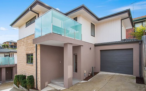 2/61 San Remo Dr, Avondale Heights VIC 3034