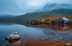0S1A3910-Edit (Steve Daggar) Tags: cradlemountain tasmania australia lake winter mist fog boathouse dovelake reflection mountain landscape landscapephotography