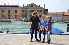 Sue & The Kids On Murano (Joe Shlabotnik) Tags: italia 2019 italy murano canal april2019 venice venezia afsdxvrzoomnikkor18105mmf3556ged