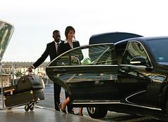 Limousine to Toronto Airport (vipliveryserviceca) Tags: toronto airport limousine