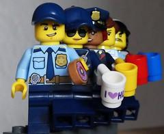 Coffee Queue - HMM (captain_j03) Tags: inarow macromondays officerjoe coffee kaffee toy spielzeug 365toyproject lego minifigure minifig