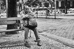 Mann (rainerneumann831) Tags: bw blackandwhite street strase streetphotography candid strasenfotografie monochrome urban ©rainerneumann riodejaneiro mann sitzbank