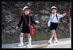 8ème jour / 8th day - Sortie d'école / School exit - Naoshima (christian_lemale) Tags: écolier garçon boy schoolboy naoshima île island japon japan 直島 日本