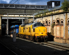 97304 on RHTT duties at Crewe (robmcrorie) Tags: 97304 crewe udl rhtt leaf buster rail head treatment train station nikon d850