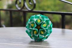 Cristallina kusudama (ronatka) Tags: kusudama modularorigami square andreyhechuev green corfu foldedwhentraveling ef50mmf14usm