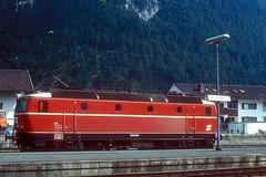 1044.84  Mittenwald  xx.08.83 (w. + h. brutzer) Tags: mittenwald eisenbahn eisenbahnen train trains österreich austria elok eloks railway lokomotive locomotive zug öbb 1044 webru analog nikon