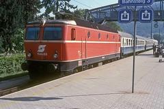 1044.83  Bregenz  22.08.86 (w. + h. brutzer) Tags: bregenz eisenbahn eisenbahnen train trains österreich austria elok eloks railway lokomotive locomotive zug öbb 1044 webru analog nikon