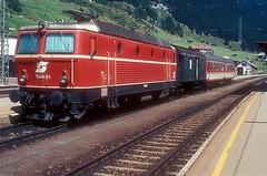 1044.81  St. Anton  22.08.95 (w. + h. brutzer) Tags: stanton eisenbahn eisenbahnen train trains österreich austria elok eloks railway lokomotive locomotive zug öbb 1044 webru analog nikon