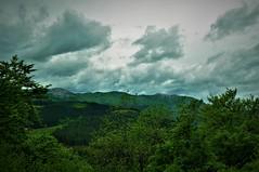 Unas nubecillas con mucho verde (enrique1959 -) Tags: martesdenubes martes nubes nwn aranzazu guipuzcoa paisvasco españa europa euskadi