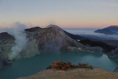 Sunrise at Kawah Ijen (Travel Marco) Tags: indonesia java asia volcano crater kawahijen ijen lake mountain sunrise sunriselovers zolfo fog smoke blueflames landscape travel adventure wild ngc