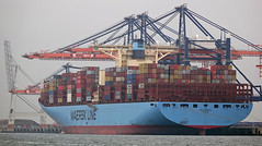 EDITH MAERSK (kees torn) Tags: europoort denieuweprins ret fastferry hoekvanholland containerschepen edithmaersk euromaxterminal yangtzekanaal yangtzehaven
