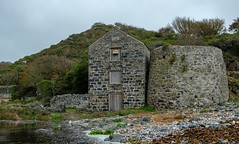 Capstan House and Serpentine Works, Poltesco, The Lizard (Rogpow) Tags: cornwall industrial poltesco serpentineworks thelizard ruanminor serpentine abandoned derelict disused dilapidated ruin industrialhistory industrialarchaeology industry fujixpro2 capstan