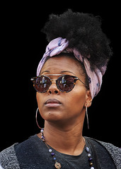Portrait (D80_544354) (Itzick) Tags: manhattansep2018 nyc woman headgear streetphotography shades blackwoman blackbackground colorportrait face facialexpression portrait d800 itzick