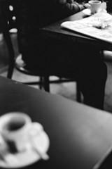 café en février. 2019 (chetbak59) Tags: argentique leicam6 ilfordfp4 noiretblanc