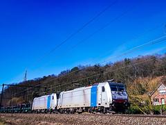 LINΞΛS 186 450 & 186 447 met staalrollentrein @ Testelt (Avinash Chotkan) Tags: traxx railpool br186 lineas cargo belgium bombardier xpedys traction coils 186450 186447