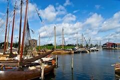 Elburg Harbor (Hindrik S) Tags: ships ship skip schiff bateau schuit skûte water wasser wetter leau haven port elburg gelderland sky clouds sonyphotographing sony sonyalpha a77ii α77 slta77ii sonya77ii sonyilca77m2 sony1650mmf28dtssm minoltaamount amount on1photoraw2019 on1pics 2019 weather weer waar mast mêst