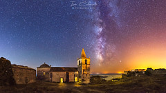Juromenha (Iván Calamonte) Tags: portugal juromenha guadiana extremadura fotoludica starry night nocturna nightscape sky skyscape astrophotography astro milkyway ruins abandoned light fort fortaleza roman dark landscape travel world stars víaláctea medieval longexposure panoramic photography