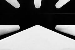 IMG_8349.jpg (Alain FAY) Tags: noiretblanc blackandwhite bw nb blackwhite noirblanc architecture colonnes cergy axe majeur