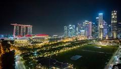 en passant par Singapour (Jack_from_Paris) Tags: l1012617 leica m type 240 10770 leicasuperelmarm13421mmasph 21mm 11145 dng mode lightroom capture nx2 rangefinder télémétrique couleurs colors wide angle street singapour la nuit by nightphoto asie landscape city urban paysage urbain singapore gardens bay