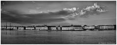 Le port de la lune et la place de la bourse (cgautriaud) Tags: bordeaux gironde france pentax k3ii garonne port harbor nb noiretblanc cloud nuage ciel sky ngc