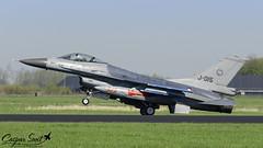 """Wheelie"" (Caspar Smit) Tags: rnlaf f16 falcon viper fightingfalcon j015 leeuwarden ehlw frisianflag aircraft fighter jet aviation airplane airforce nikon d7000"