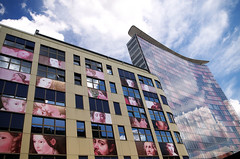 Urban faces (Atreides59) Tags: germany allemagne deutschland berlin ciel sky architecture buildings nuages clouds bleu blue jaune yellow rouge red reflet reflection reflexion pentax k30 k 30 pentaxart atreides atreides59 cedriclafrance