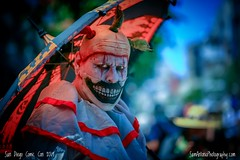 Just in time for Halloween! Scary Comic Con! (Sam Antonio Photography) Tags: pennywise it pennywisethedancingclown clown scary horror evil sandiegocomiccon comiccon comicconinternational sdcc sdcc2019 unbrella halloween circus fear creepy holiday makeup man costume carnival killer character psychopath fright disguise psycho frightening terror terrifying sinister spooky eerie monster freak darkness nightmare