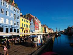 Copenhagen/Denmark (Yvo_Ri) Tags: kopenhagen copenhagen denmark dänemark bunt colourful trip reise stadt city capital tourist hafen port hotdog sun sonne light