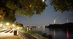 Rheinufer Biebrich - Riverwalk at Night (- ABL -) Tags: ilce6000 wiesbaden biebrich rheinufer nightshot wasser water river riverside rhein lights moon mond selp1650 sony vollmond