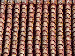 Roof Tiles in Andalucia (suerob) Tags: roof tiles red clay traditional tradition old andalucia spain europe building house dwelling pattern symmetry craft craftmanship