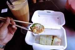 Popia 📍Maxwell Hawker Centre . . . #fujifilm #fujifilmxt30 #foodphotography #foodie #mirrorlessphotography #mirrorlesscamera #singapore #backpackinglife (pml.dctr) Tags: fujifilm fujifilmxt30 foodphotography foodie mirrorlessphotography mirrorlesscamera singapore backpackinglife