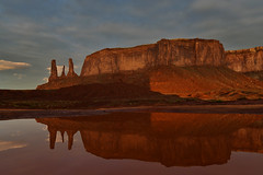 USA - Arizona - Monument Valley - the Three Sisters at sunrise (AlCapitol) Tags: monumentvalley nikon d850 usa etatsunis us arizona reflection sunrise leverdesoleil reflet threesisters