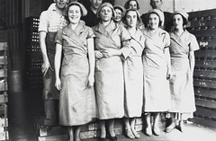 Coffee packing staff, Bushells Tea Factory, Sydney, 1936, Sydney, PXE 1554 (State Library of New South Wales collection) Tags: street houses coffee 1930s workers sydney therocks wylde demolished kismet atherton harrington manufacturing tea bushells