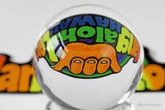 #Upsidedown aloha (aenee) Tags: aenee nikond7100 sigma105mm128dgmacrohsm crazytuesday upsidedown ondersteboven crystalball glazenbal colourful kleurig pse14 20191006 dsc4184