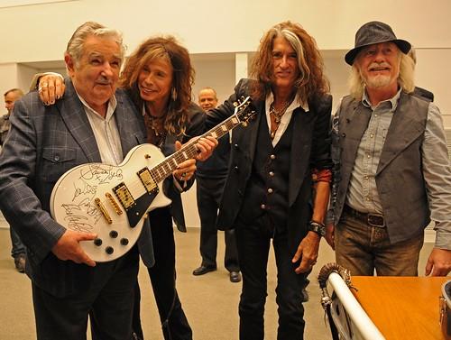 "José ""Pepe"" Mujica  #Aerosmith 🎸 #chitarra #guitarra #guitar #rock #rocknroll #blues #hardrock #glam 🎥#elettritv💻📲 #pace 🌈 #love #webtvmusicale #canalemusicale 🎵 #sottosuolo #musica 🙌"