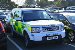 EU60 AZW (S11 AUN) Tags: ambulance service land rover discovery sdv6 4x4 hems trauma team rrv rapid response vehicle paramedic responsecar 999 emergency uk england eu60azw